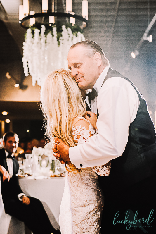 father daughter dance at hensville wedding