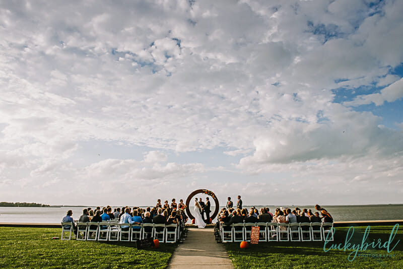 outdoor wedding ceremony photo at maumee bay