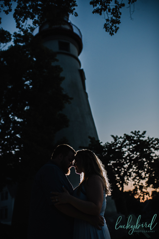 marblehead lighthouse sunset engagement picture