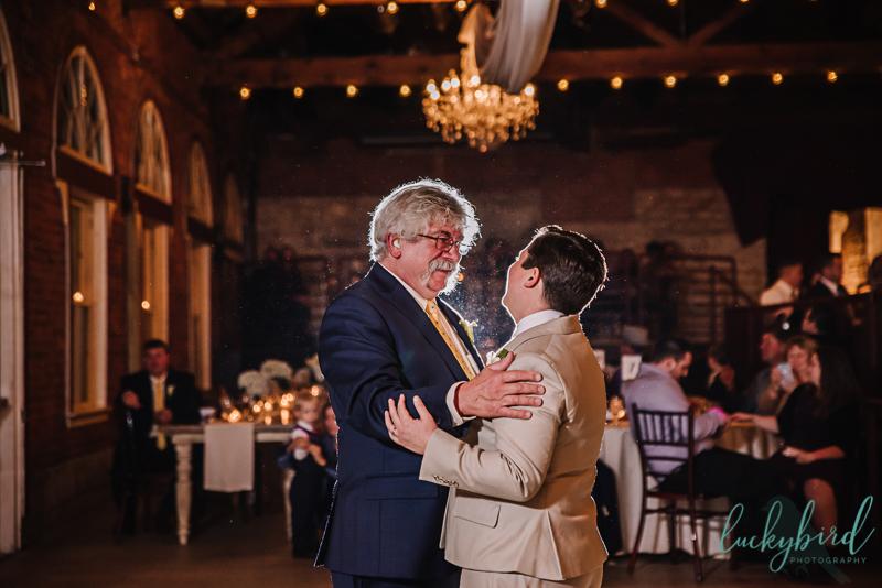 bride and dad via vecchia dance