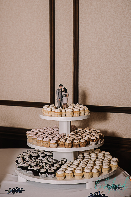 wedding cake topper of couple