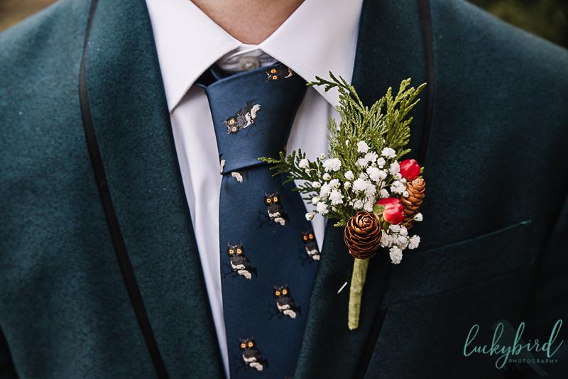 bartz viviano winter groom flowers