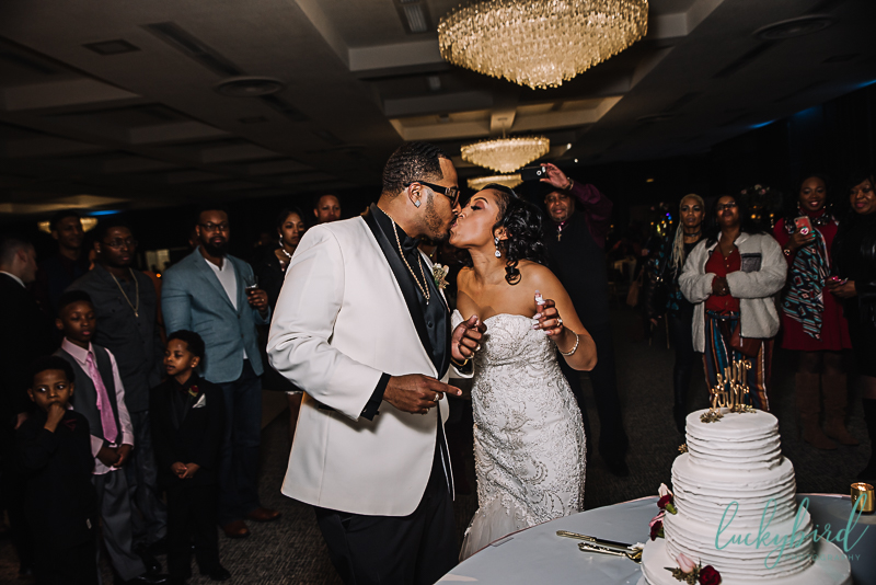cake cutting toledo wedding venue the stranahan