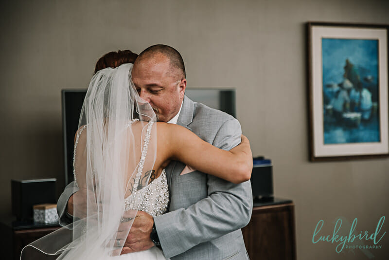 bride and dad first look at the park inn toledo