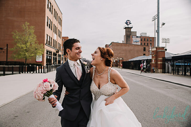wedding photos at hensville toledo