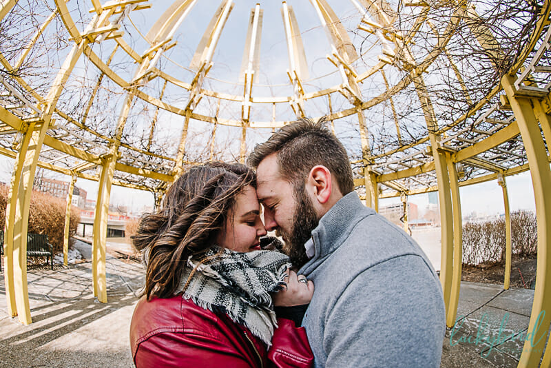 downtown-toledo-engagement-photos-by-the-water