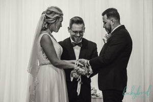 Toledo Wedding Officiant – Weddings for the Ages