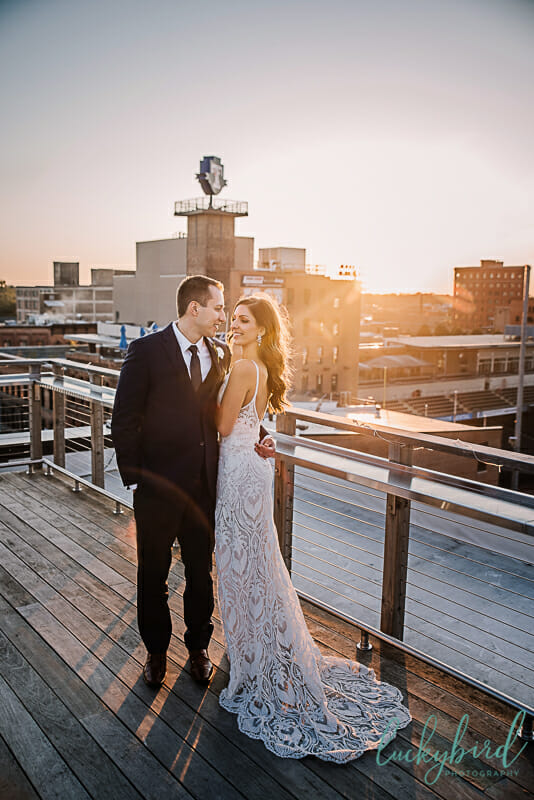 romantic sunset photo at downtown toledo wedding