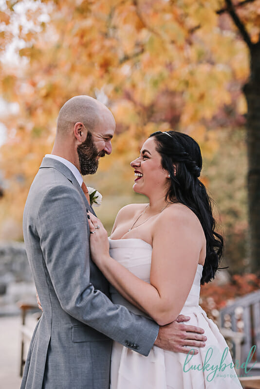 bride laughing during toledo zoo first look