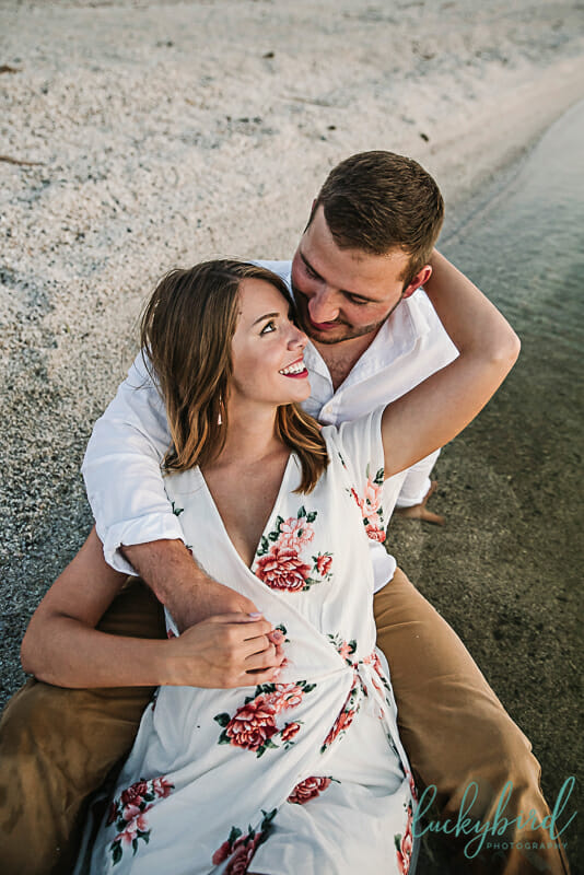 romantic-engagement-photos-in-the-water-at-maumee-bay