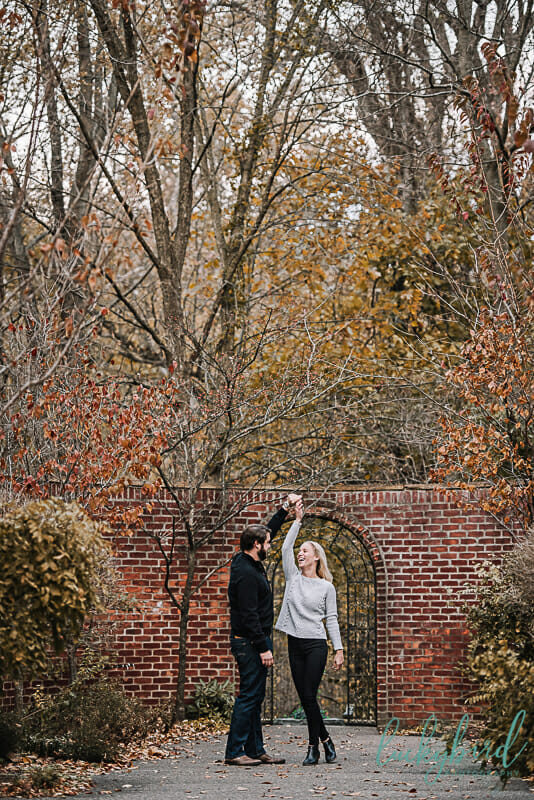 fall leaves in toledo park engagement photos