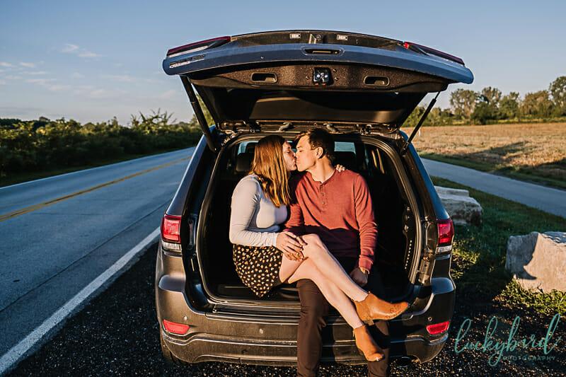 jeep engagement photos toledo