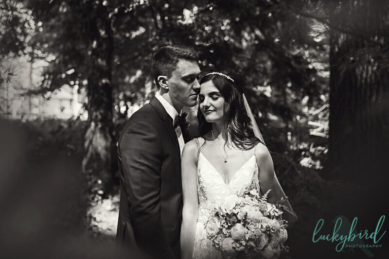 romantic toledo botanical garden wedding photo