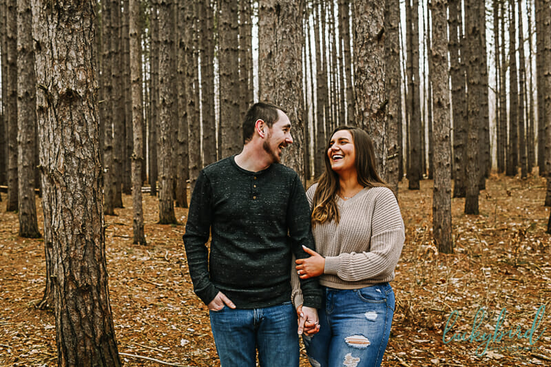 the spot engagement photos in the fall