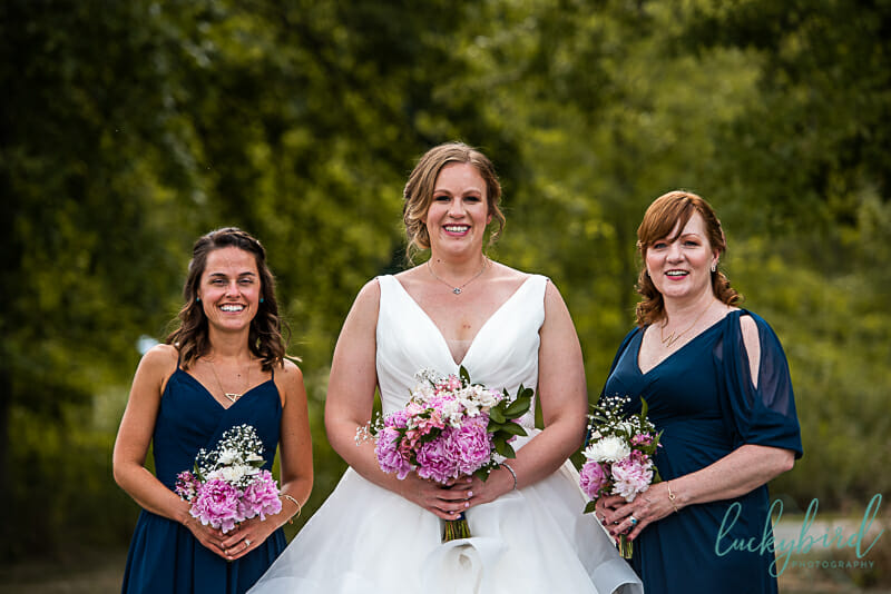 columbus park wedding photos with bridesmaids