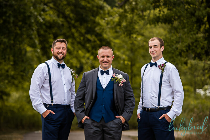 columbus park wedding photos with groomsmen