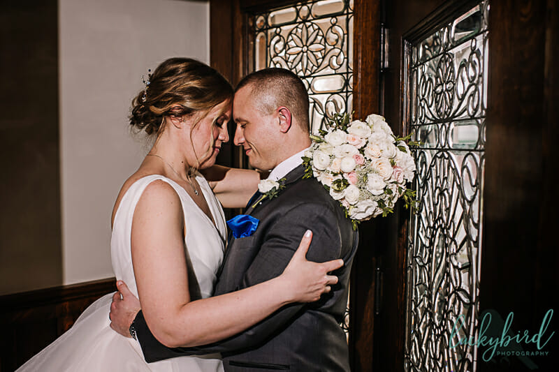 romantic wedding photos in dublin ohio