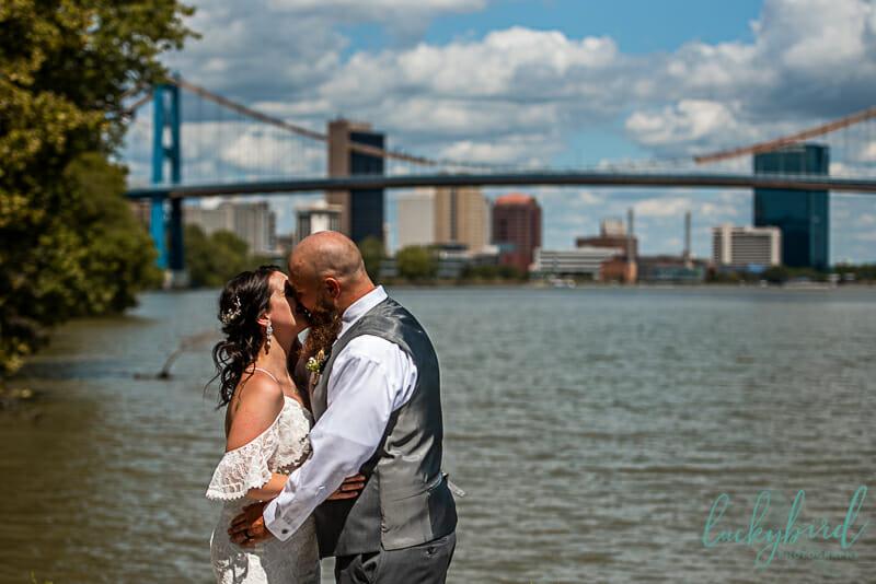 small wedding downtown toledo ceremony