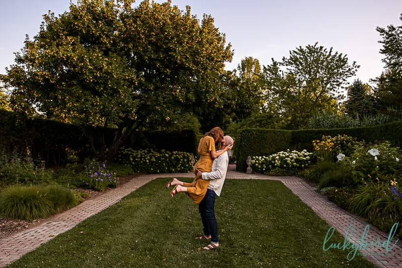 courtyard toledo botanical engagement photos in the fall