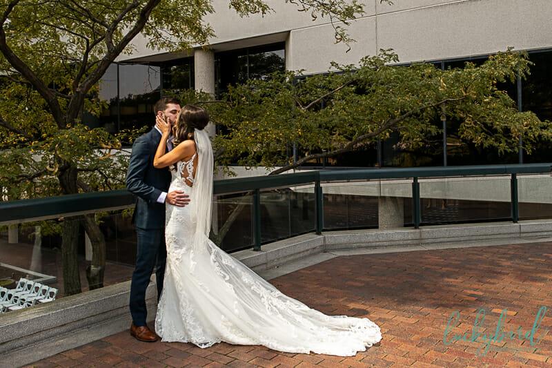 kiss at renaissance hotel downtown toledo