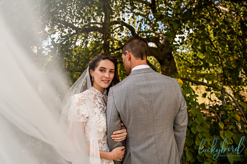 long veil wedding photo