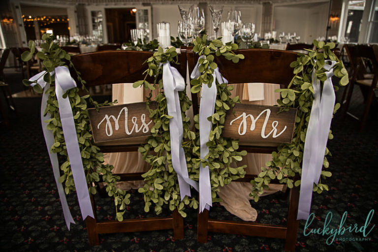 mr and mrs sign at toledo country club wedding