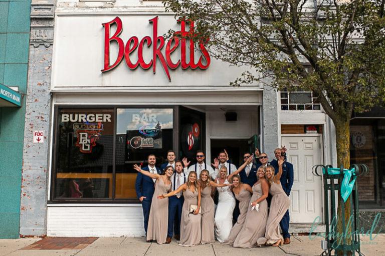 wedding party photo at becketts bowling green
