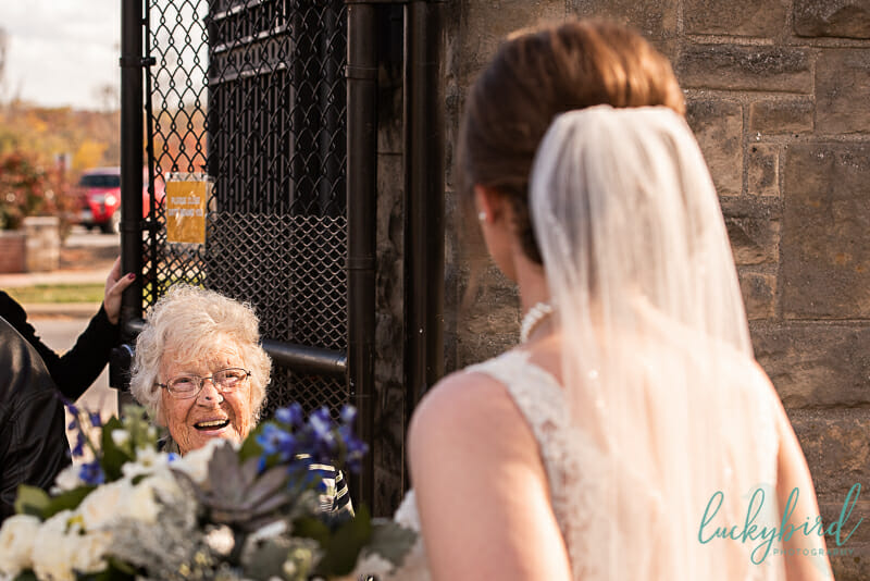 grandma seeing bride at toledo zoo wedding