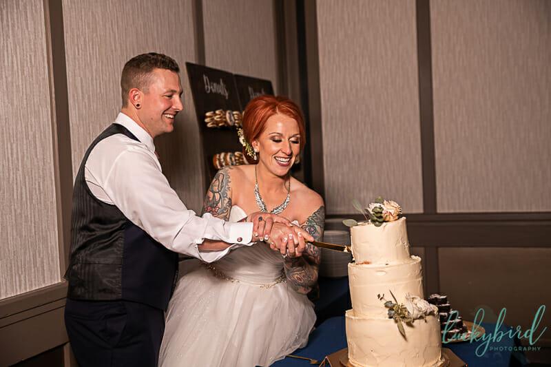 cake cutting at renaissance toledo wedding