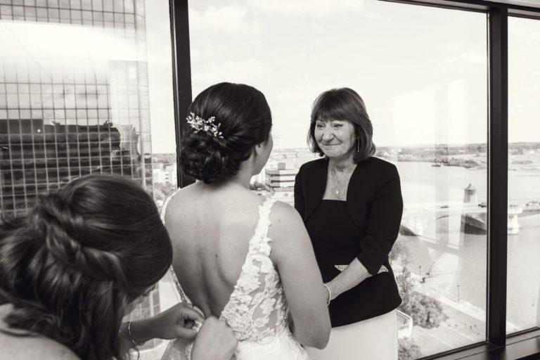 renaissance toledo wedding photo by luckybird photography