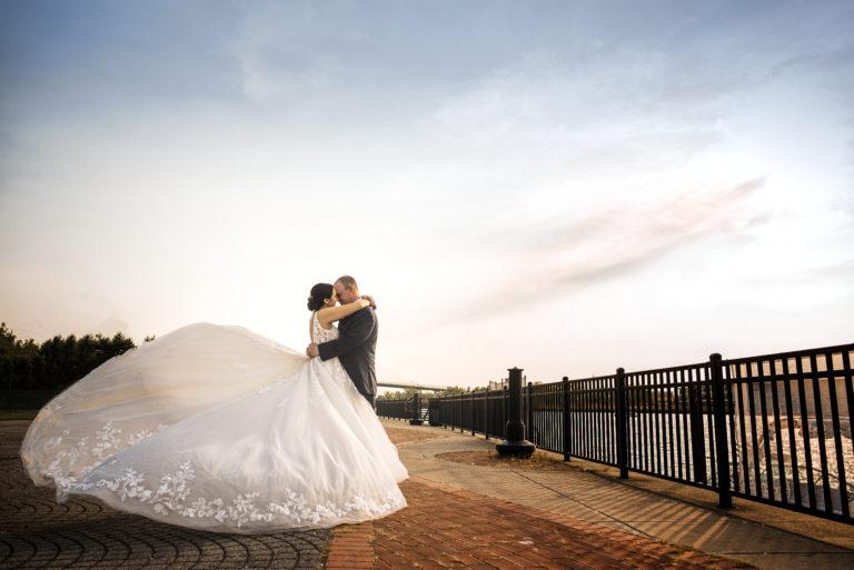 toledo wedding photo at international park
