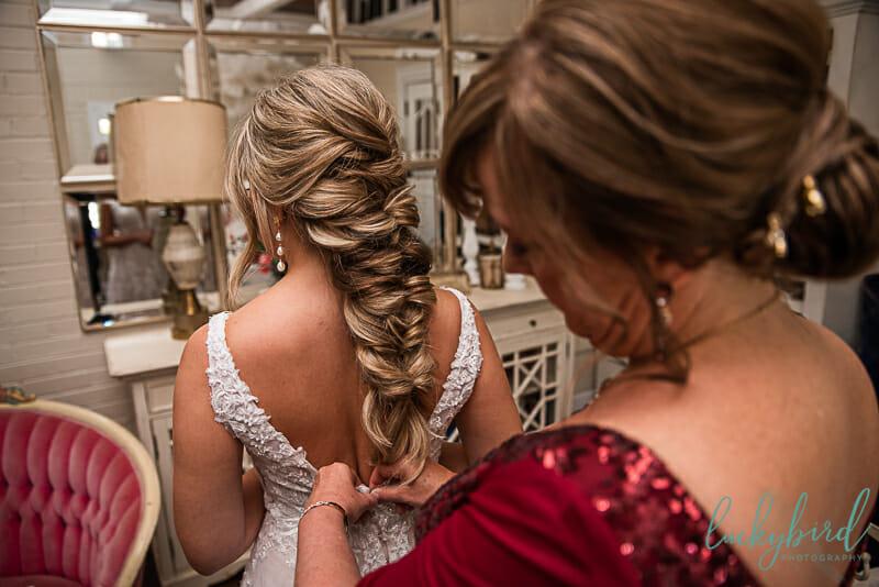 bride's details before wedding day
