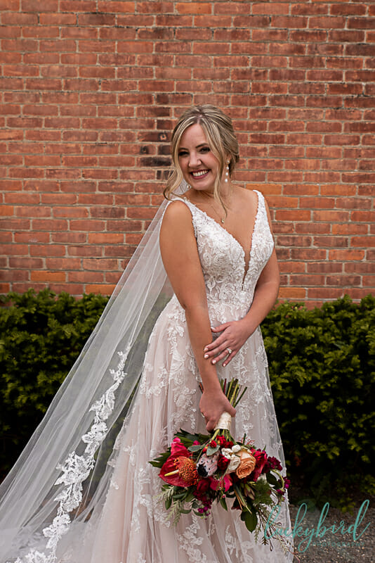 photos of bride in downtown maumee