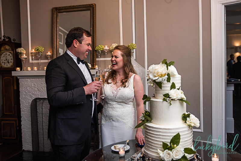wedding photos inside toledo country club