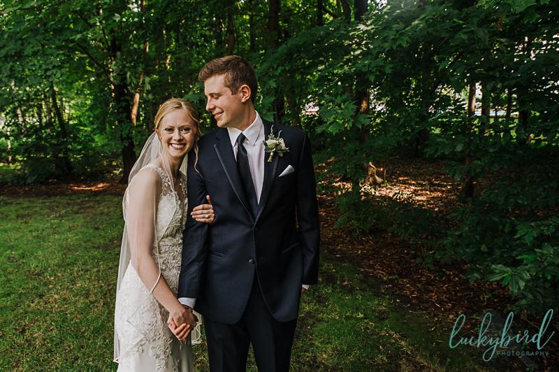 couple in toledo backyard wedding photo