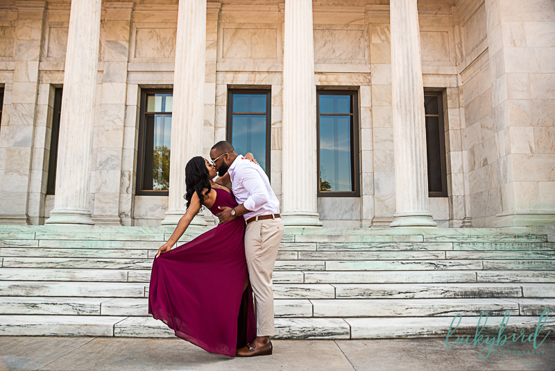 engagement photos in toledo witth black couple at toledo museum of art