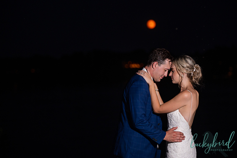 blue-moon-wedding-photo-at-night