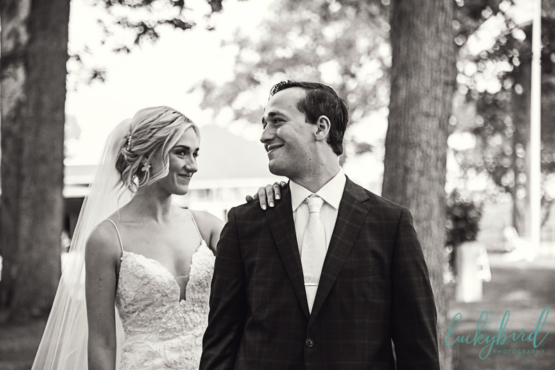 bride-and-groom-first-look-att-toledo-country-club