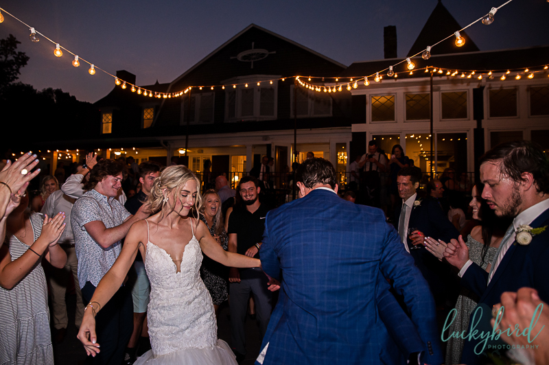 couple-dancing-at-toledo-country-club-sunset