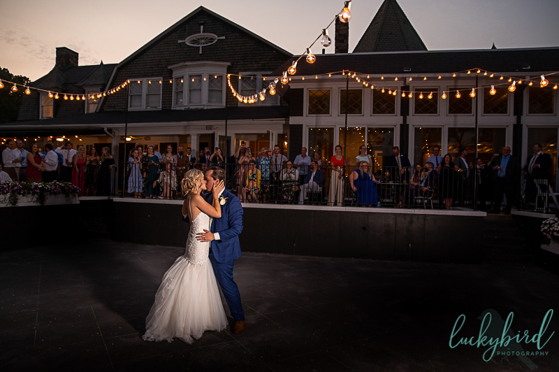 first-dance-at-toledo-country-club-during-sunset