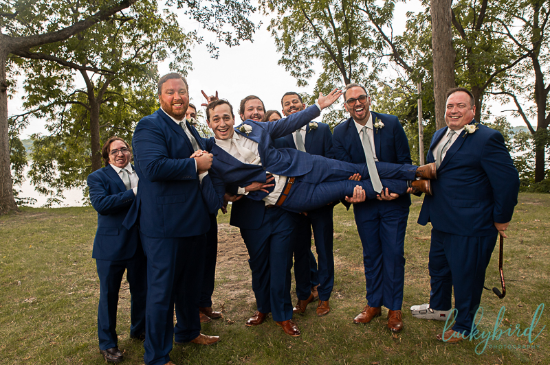 groom-and-wedding-party-at-toledo-country-club
