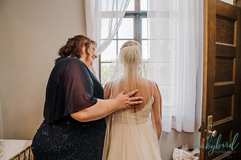 bride-and-mom-getting-ready-at-nazareth-hall