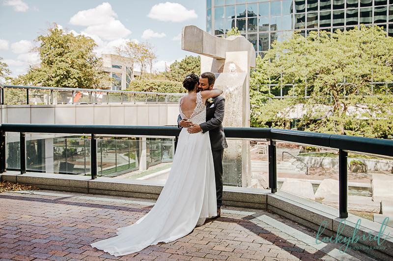 downtown-toledo-first-look-for-renaissance-wedding