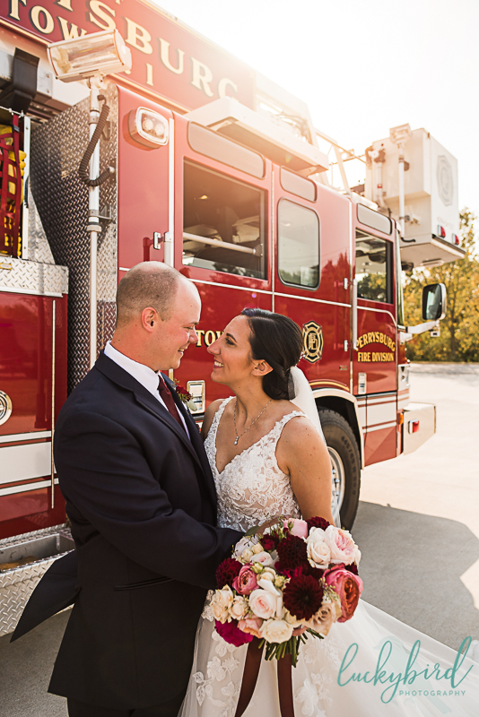 fire-truck-wedding-photos