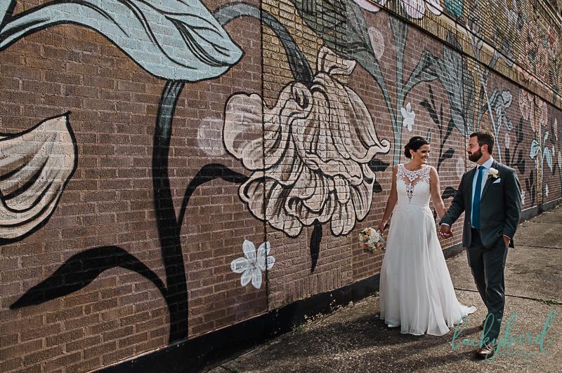 mural-wedding-photo-in-downtown-toledo