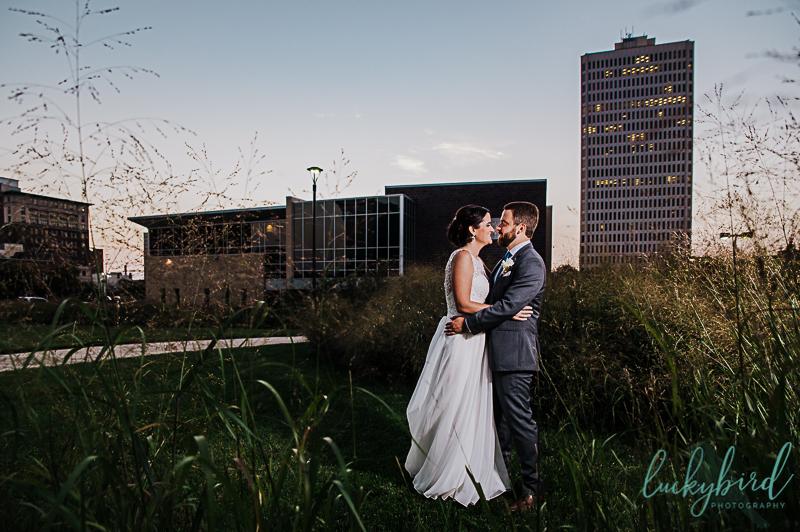 sunset-wedding-photo-at-renaissance-toledo