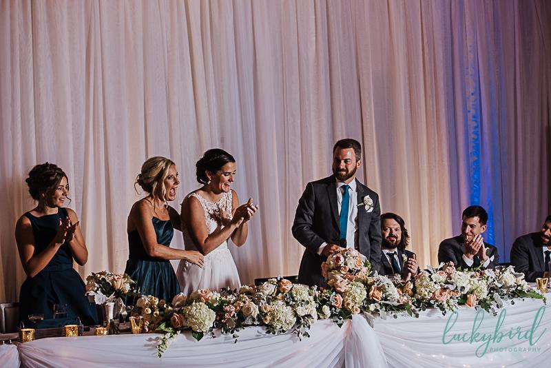 surprise-pregnancy-announcement-at-wedding