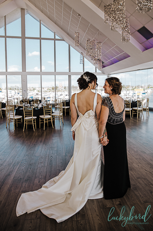 bride-and-mom-at-the-roostertail-detroit