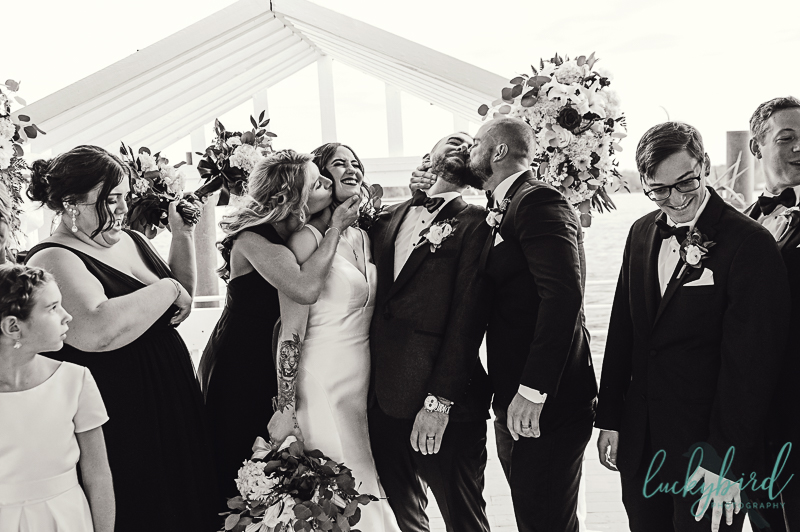 candid-funny-wedding-party-photo-detroit