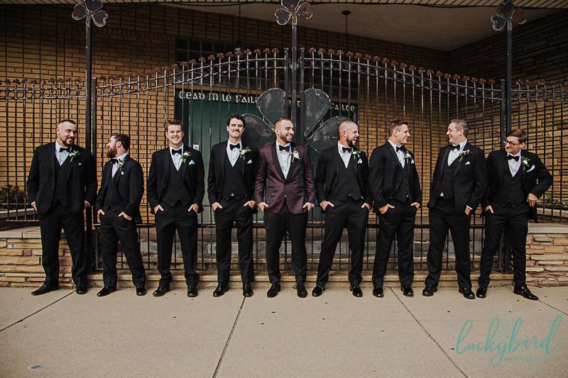 detroit-wedding-photography-of-groomsmen